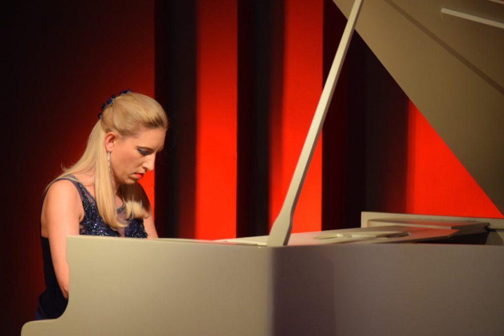 """Recital """"Muzyka na wysokim… obcasie"""" Marii Rutkowskiej, w ramach cyklu """"Spotkania z muzyką"""""""